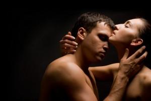Богатые мужчины любят агрессивный секс