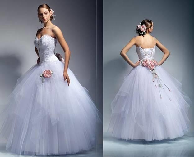 проживающих на территории бывшего Советского союза, отдает предпочтение свадебным платьям с пышной юбкой. У таких платьев, кроме пышной юбки есть
