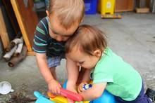 toy fighting