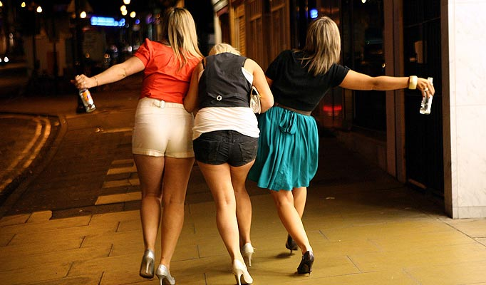 Drunk females end up having an orgy right in the night club № 1530559 бесплатно