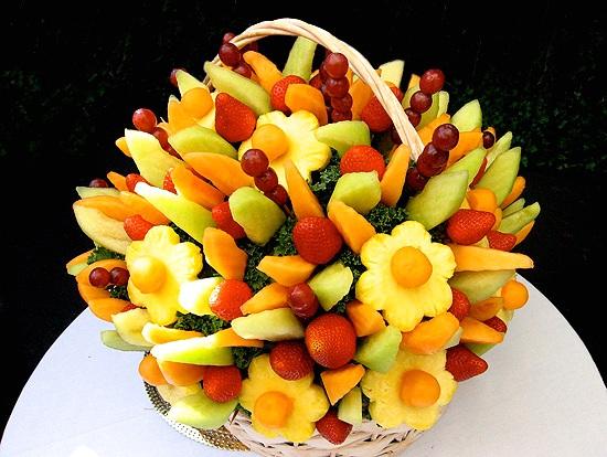 Уникальный и вкусный букет из фруктов
