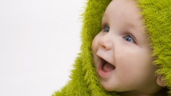 дать имя новорожденному