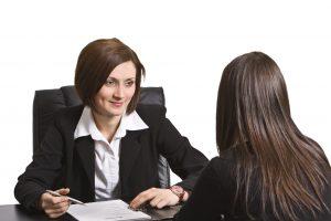 Как преодолеть «женские статусные проблемы» на собеседовании
