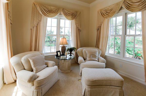 Выбор штор для гостиной комнаты: немного о цвете и функциях