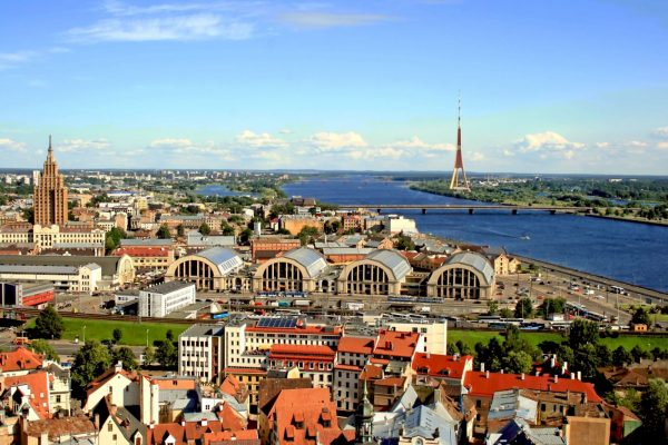 Латвия - страна янтаря и бальзама