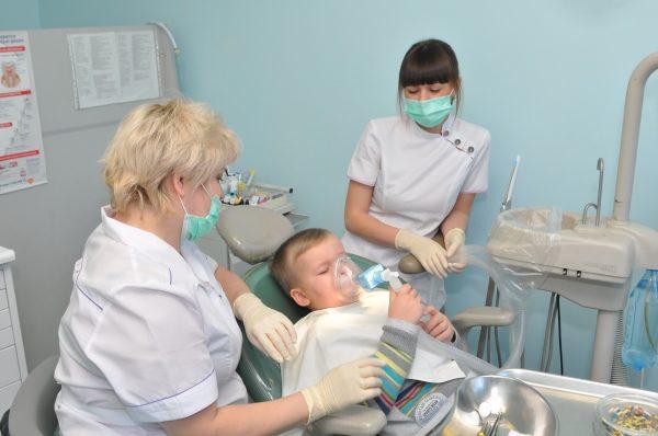 Лечение зубов ваших детей во сне без страха и плохих впечатлений