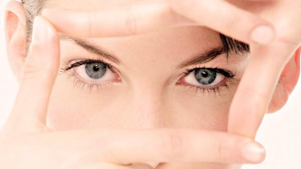 Мешки под глазами:  как от них избавиться?
