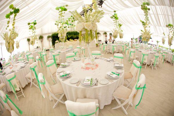 Как расставить столы для церемонии свадьбы?