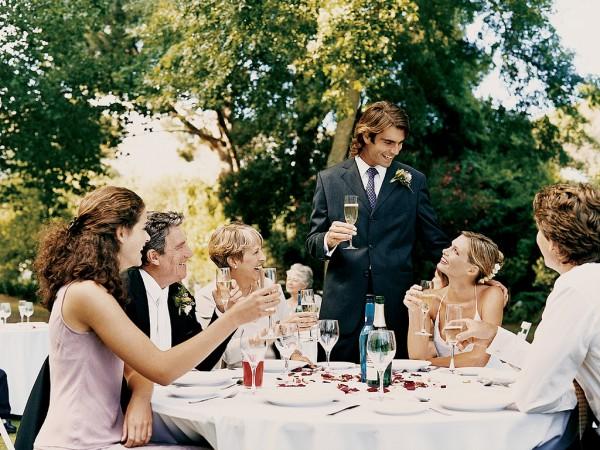 Как рассадить гостей во время свадьбы