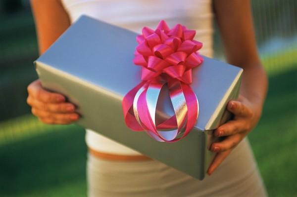 Место подарков для молодоженов: как оформить?