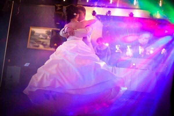 Танец молодоженов: эффектный и запоминающийся