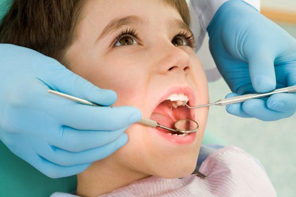 Профилактические визиты к детскому стоматологу: залог здоровой улыбки с малых лет