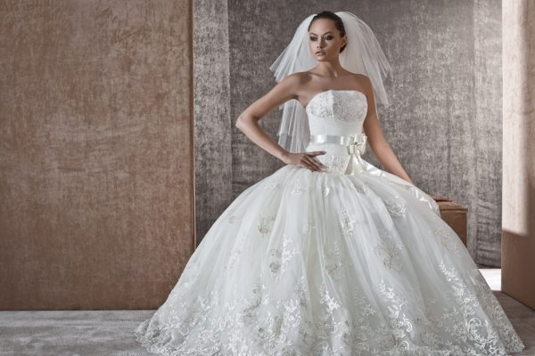 Венчальное платье необычной красоты: как выбрать платье для свадьбы?