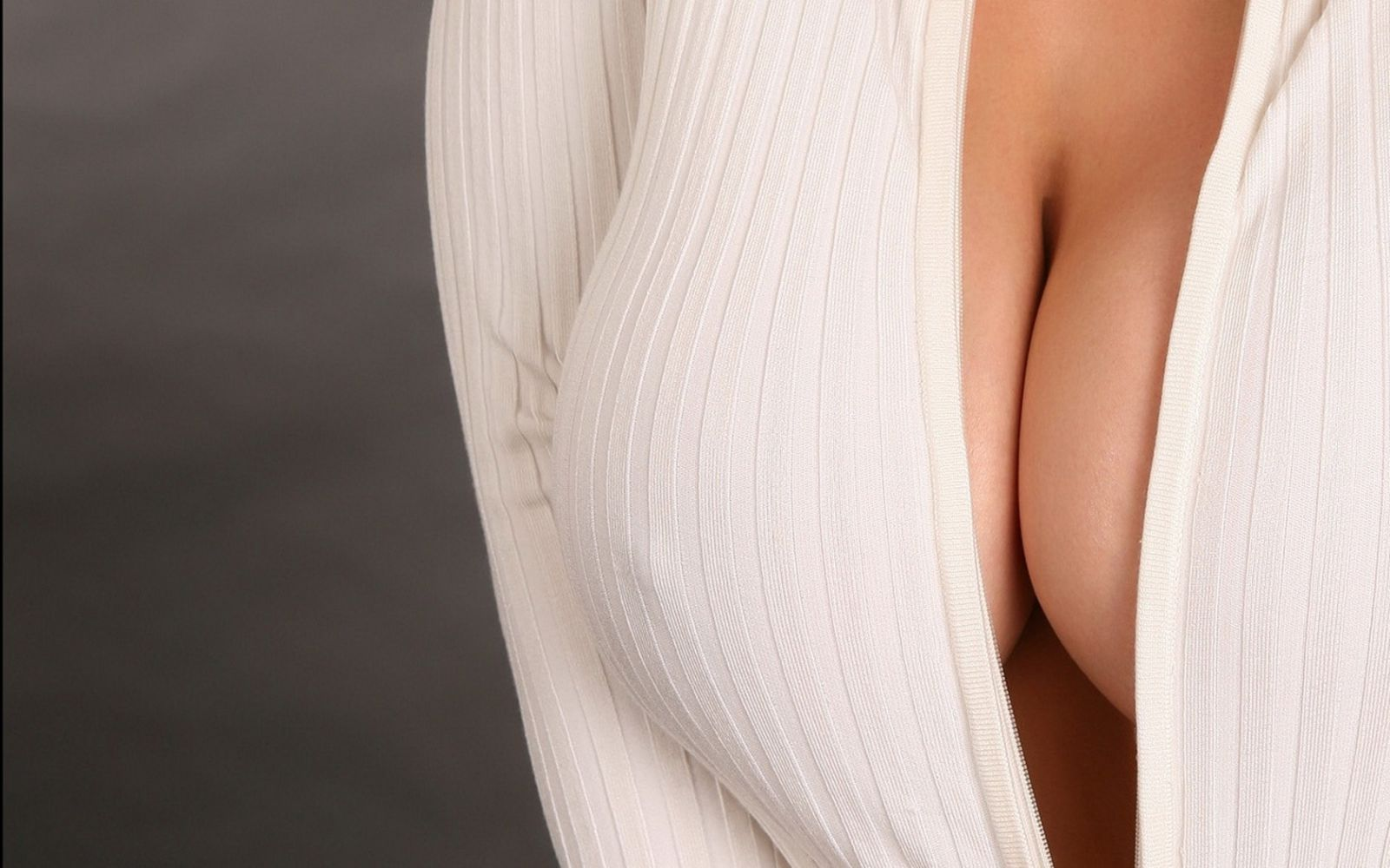Фотосессия грудей девушки