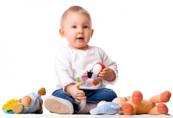 Игрушки для детей до полутора лет: развитие игрушек вместе с ребенком