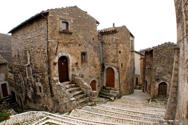 Окунитесь в атмосферу средневековья вместе с Италией!