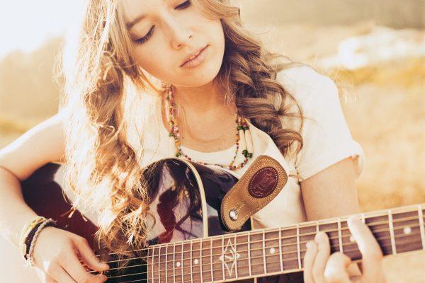 Красивые телки с гитарой фото 472-398