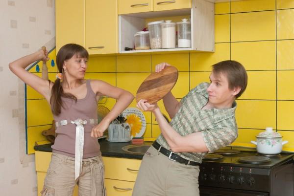 О глубоко въевшихся с детства установках о доле женщины на примере мытья посуды