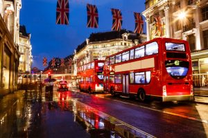 По какому времени живет Лондон?