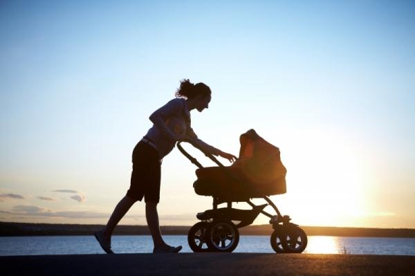 Прогулки с младенцем - приятное занятие