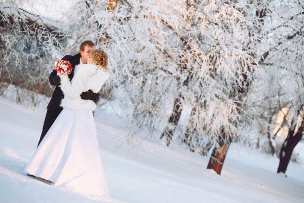 Свадьба зимой: какие цветы выбрать для букета невесты