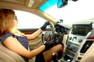 Женщина-автолюбитель или как свести к минимуму обманы в автомагазинах, салонах и мастерских