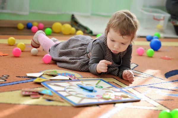 Игрушки для детей от рождения до пяти лет: приоритеты при выборе
