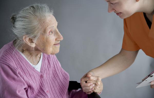 Уход за больными людьми в домашних условиях