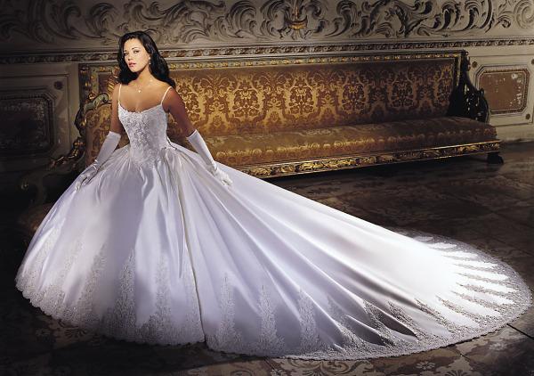 Выбираем свадебный салон в сети Интернет: не забываем о важных формальностях