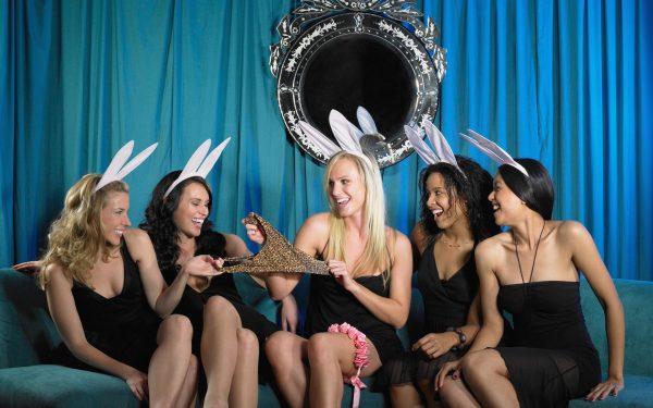 Девичник перед свадьбой: традиции и аксессуары