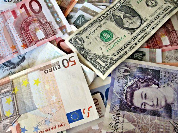 В каком виде брать деньги на отдых или наличность за границей