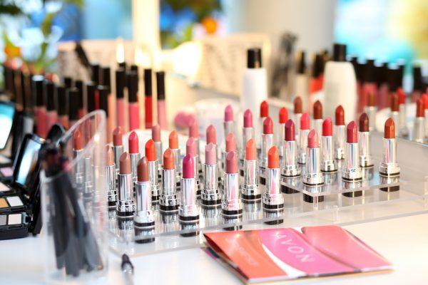 Декоративная косметика в жизни современной девушки: от дневного макияжа до свадебного