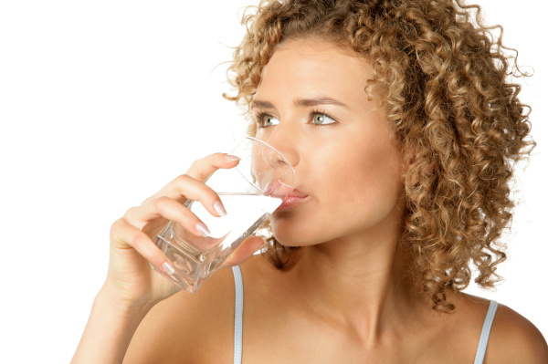 Питьевая вода в достаточном количестве - первый шаг к здоровью