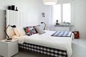 Текстиль в качестве ярких пятен в кипенно-белом интерьере
