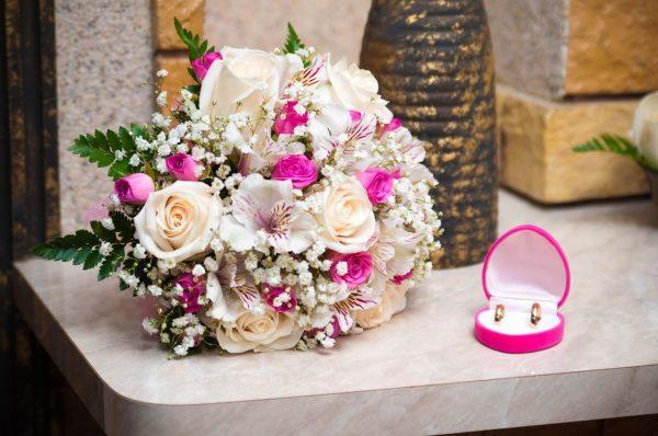 Свадебная флористика: как подобрать букет невесты