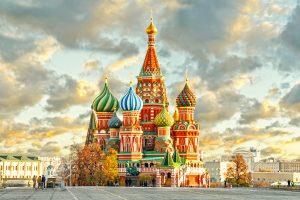 Первая поездка в Москву всей семьей: надолго ли и что показать детям