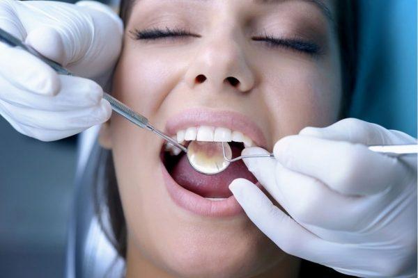 zachem-hodit-k-stomatologu