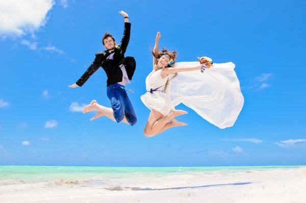 godovschina-svadby-na-more