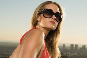 Зачем нужны солнцезащитные очки или аксессуар, без которого не обойтись