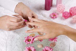 Бизнес идея: «Наращивание ногтей на дому»