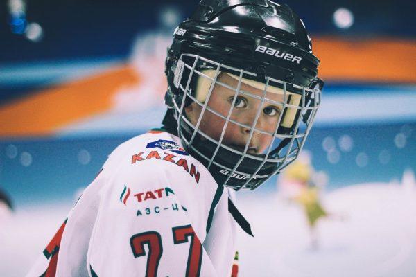 Ребенок хоккеист