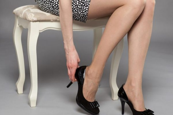 Варикозное расширение вен на ногах у девушки
