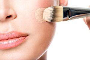 Как выбрать тональный крем для проблемной кожи?