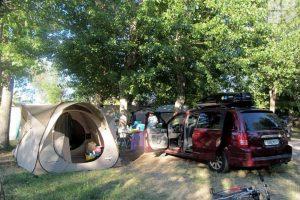 Готовим автомобиль к путешествиям с детьми: от новых покрышек до портативного увлажнителя воздуха