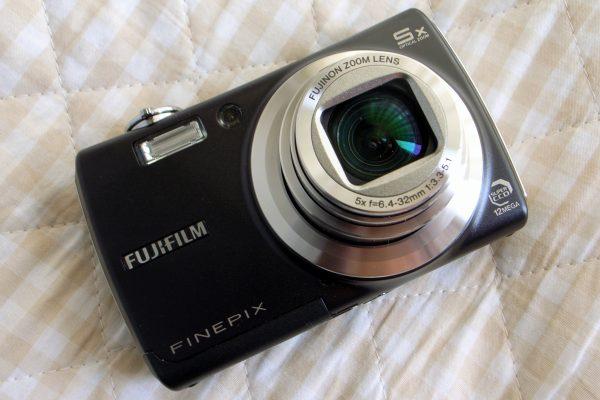 Fujifilm_FinePix_F100fd