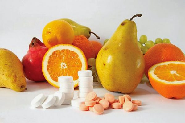 kakie-vitaminy-letom