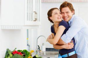 Радость материнства и помощь бытовой техники в обязанностях по дому: исторический экскурс