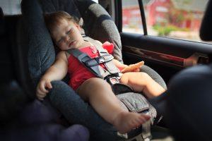 Как выбрать правильное детское кресло в машину