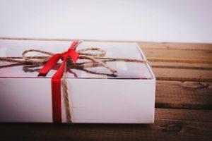Особенности подарка, сделанного вручную