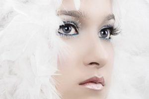 Идеальный образ для девушки с зимним типом внешности
